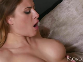 MOM Busty light-complexioned Billie Star fucking the brush sisters huband