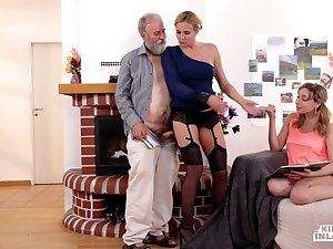 Random Old Guy Fucks 18-Year-Old With the addition of Saucy Girl - high definition