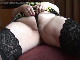 Curvy mature granny with big round seat and hairy pussy