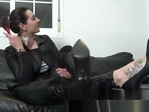 Femdom Mistress Back Full Hibernate Machinery Puts On Long Gloves