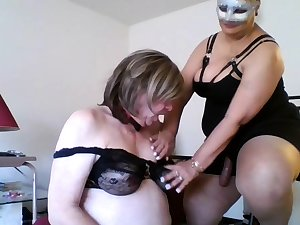 Mature femdom humiliates amulet dude into stripping