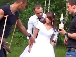 Russian bride luvs an bi-racial group-poke into public notice