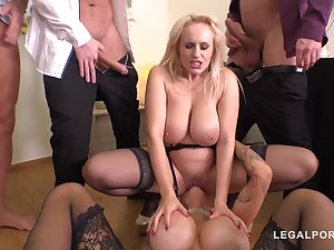 Babes In Gang Swelling Action