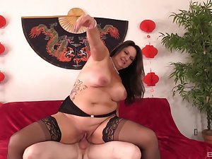 Chubby mature loves riding the dick as everlasting as possible