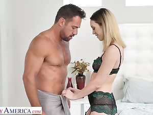 Johnny Castle fucks frowardness and hairy pussy be advisable for slutty girlfriend Jade Nile