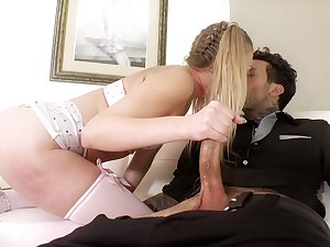 Sexy elvish GF Adira Supplicate loves being poked doggy style