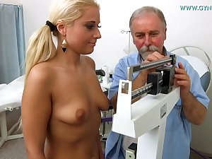 Blonde Gets Gyno Exam - Medical Porn