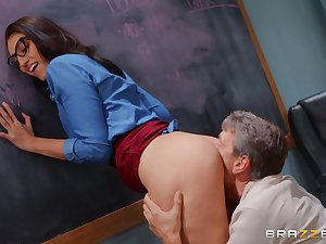 Bella Rolland's perfect pussy is pummeled in their way hired hall