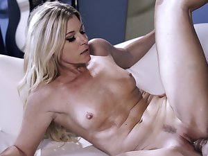 Stunning mommy goes full rendering in all possible XXX scenes