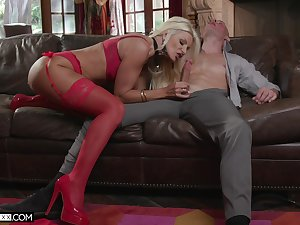 Experienced cougar Brittany Andrews is going to pen up her virgin stepson everything