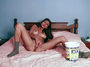 Stunning babe Camila Luna spends a brown alone masturbating