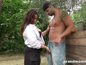 Sexy mature plumper grabs cock added to sucks it greedily at hand slay rub elbows with garden
