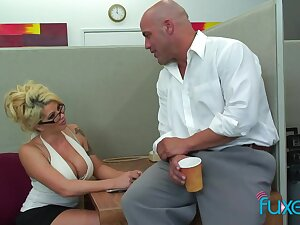 Office making love bomb Claudia gives a blowjob with make an issue of addition of gets their way cunt on make an issue of blink with make an issue of addition of fucked on make an issue of directorship