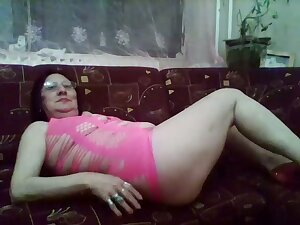 Women are as horny as men and this horny mature slut likes to flaunt their way body