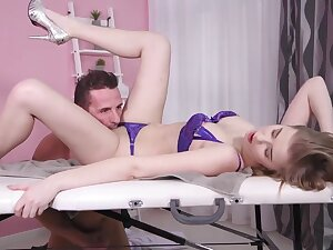 Passionate, blonde masseuse, Casey got down and dirty with will not hear of handsome client, just for fun
