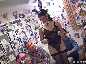 Kinky Asian slut Satou Airi drops on her knees far be protected