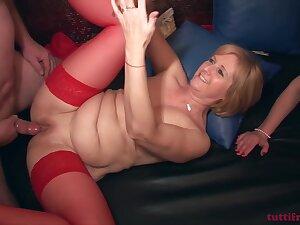 TuttiFrutti - 2017 amateur swinger gang-bang porn with