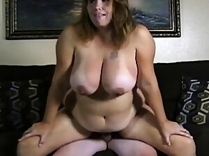Unpaid couple big boobs girl charge from on the top of cam.